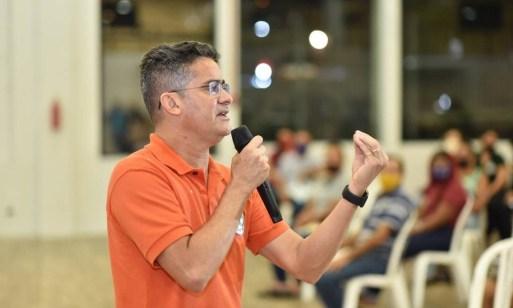 David Almeida, prefeito de Manaus, em evento no ano passado: MP pediu a prisão dele em investigação sobre vacinas Foto: Redes Sociais