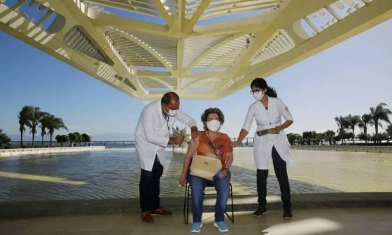 Museu do Amanhã começou a ser utilizado para aplicação de vacina contra Covid-19 nesta quinta-feira (01) Foto: Marcos de Paula / Agência O Globo