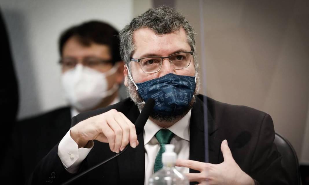 Assim como Fabio Wajngarten, ex da Comunicação, o ex das Relações Internacionais, Ernesto Araújo, negou falas polêmicas diante da CPI da Covid: