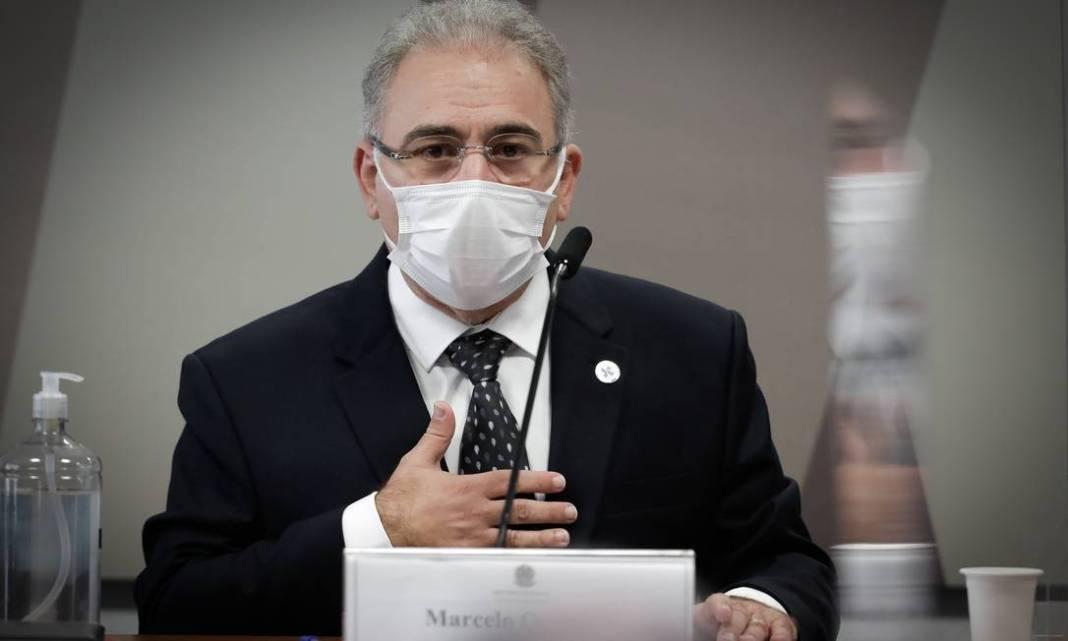 Convocado pela segunda vez, ministro da Saúde Marcelo Queiroga disse orientar Bolsonaro sobre medidas de prevenção contra Covid-19, apesar de não ser levado em consideração: