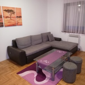 Izdajem stan 64m2, centar Banja Luka