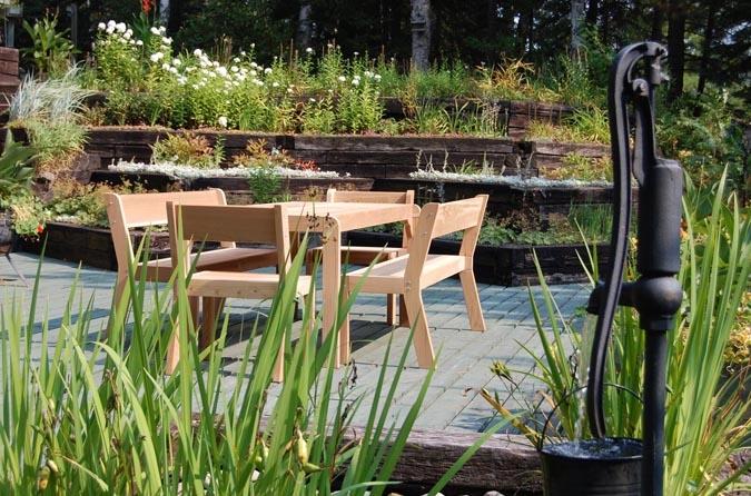 Grande Table Dner Extrieure En Bois De Cdre Rouge Ogni