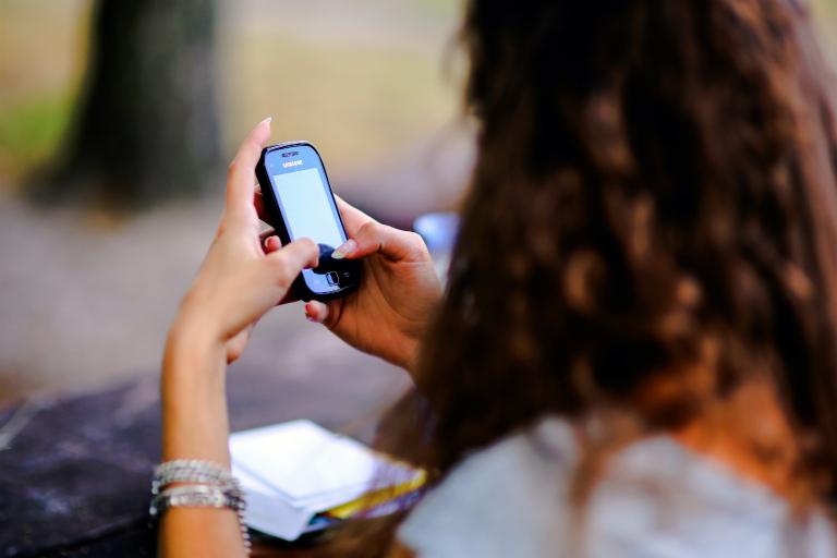 К социальным выплатам присоединились Viber и WhatsApp