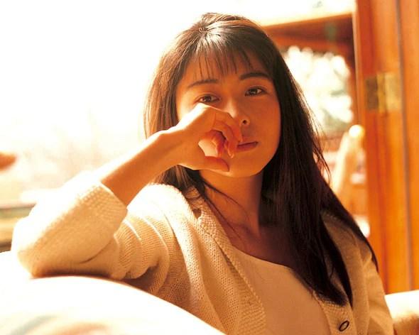 ZARD坂井泉水の13回目の命日はWeb献花に、「負けないで」ライブ映像など公開継続が決定 - 音楽ナタリー