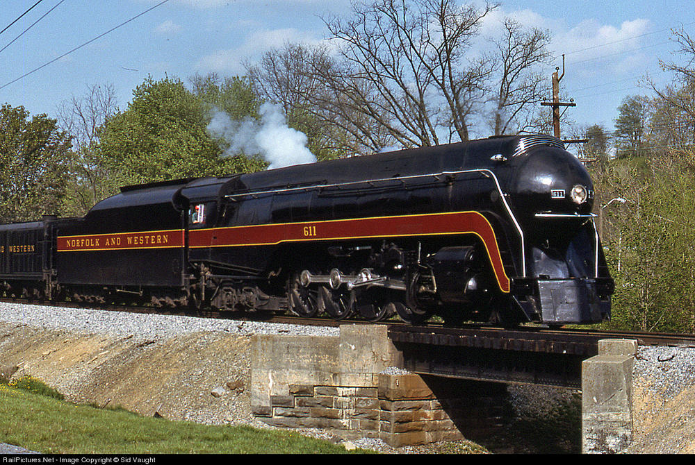 NampW Class J 611 Is ON THE MOVE O Gauge Railroading On