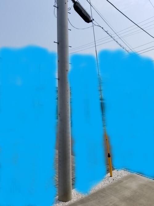 敷地内の電柱&支線