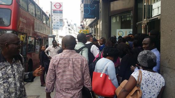 Crowd at front of Nigeria High Commission on Fleet, London