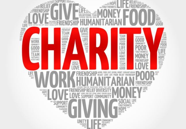Charity – church feeds, gives cash to 4,700 people