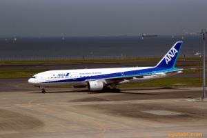 千歳→羽田 ANA B777-200