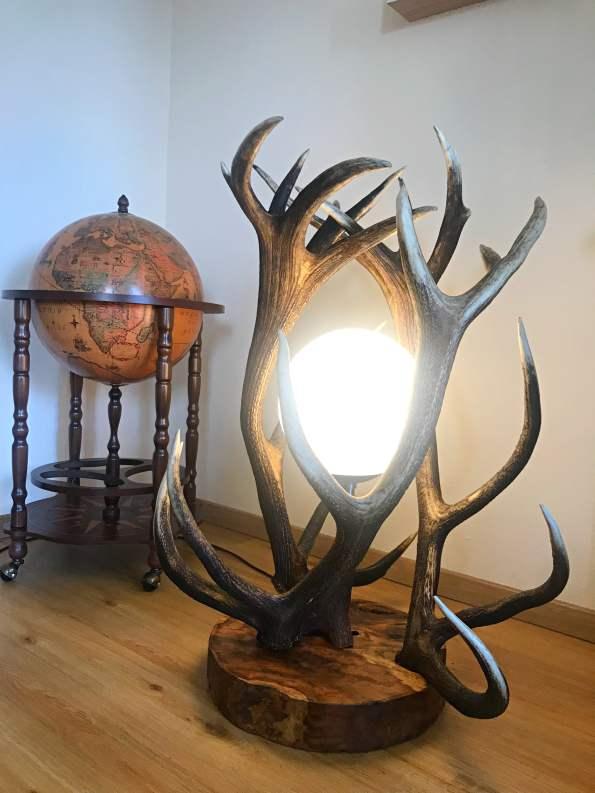 Hirschgeweih Stehlampe