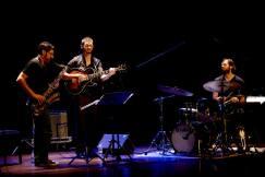 Ohad Talmor trio with Miles Okazaki & Dan Weiss. Vigo 2015 credit Miguel Estima
