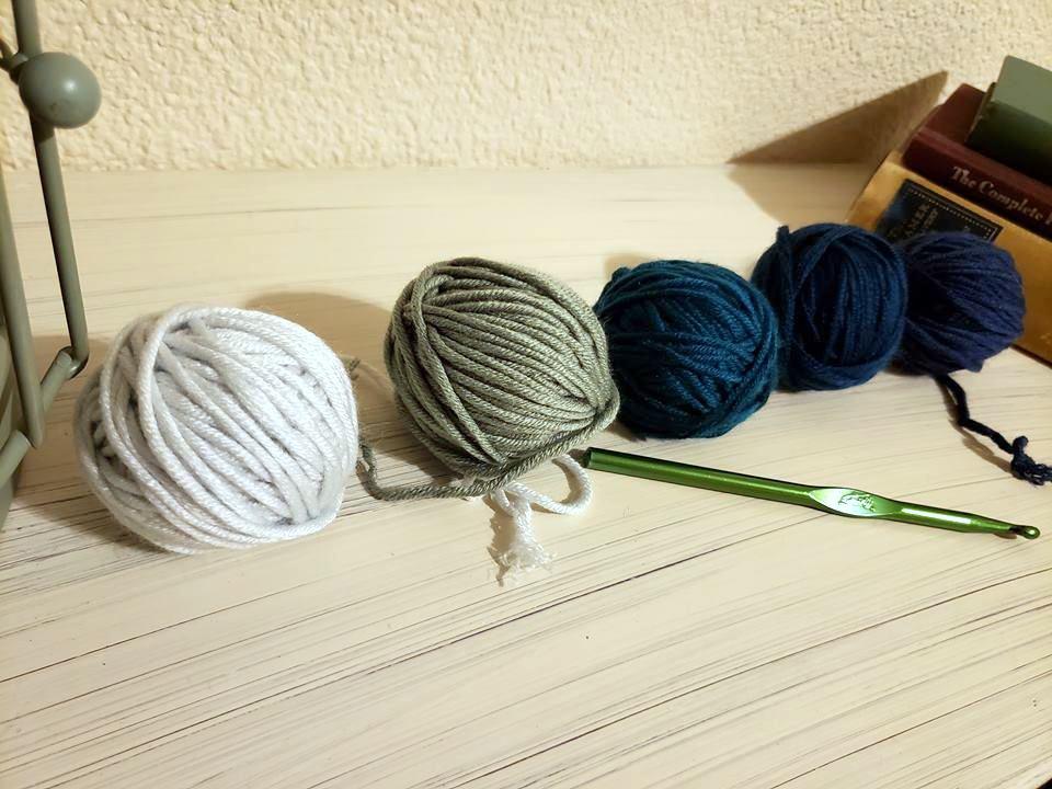 free crochet wrist warmer pattern caron pantone x yarns