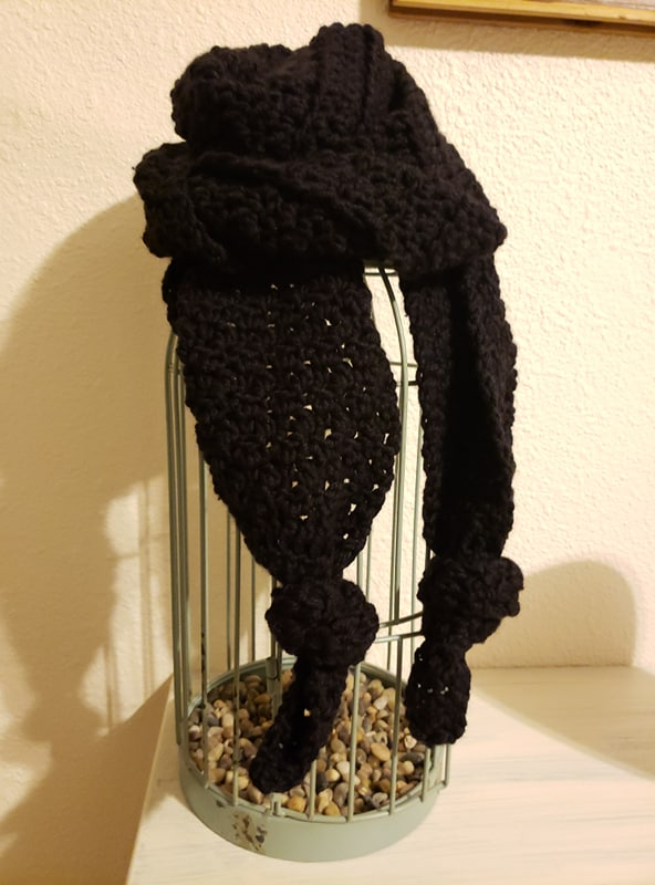black lava crochet scarf made with lion brand color made easy yarn in caviar