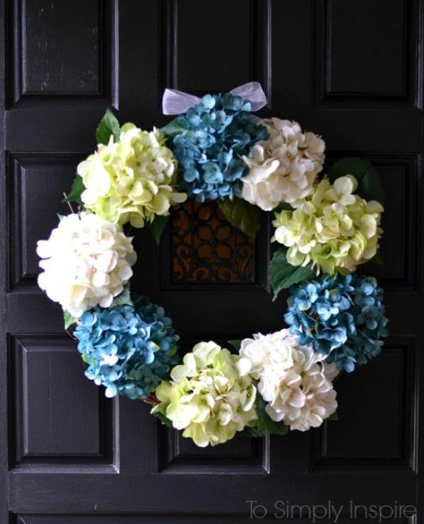 DIY Hydrangea Wreath by To Simply Inspire - 10+ Easy DIY Crafts To Sell That Are Cheap To Make & Creative. These awesome project ideas can be sold on Etsy and at craft fairs and craft markets. Try these unique crafts that make money today and make extra money from home!