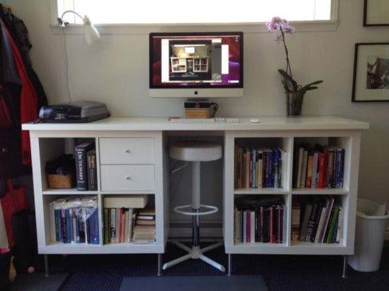 21 genius DIY IKEA Kallax hacks to organize your bedroom, playroom, kitchen, entryway, closet, and office. #ikeahack #ikeakallax #kallax #ikeafarmhouse #ikeaideas #ikea