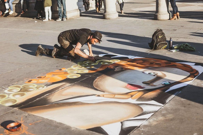 Street Artist @ Trafalgar Square