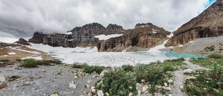 Vandring längs Grinnell Glacier Trail i Glacier National Park (Montana)
