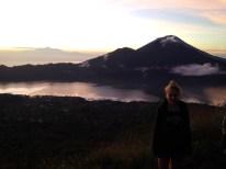Sunrise-Trekking auf den Vulkan Batur - war ganz schön windig da oben