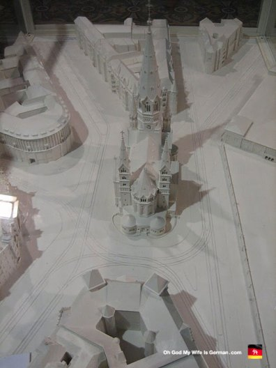berlin-germany-kaiser-wilhelm-gedächtniskirche-model