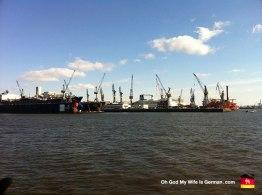 05-cranes-at-hamburg-port-bay-docks
