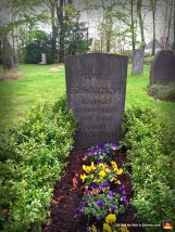 Funny-Gravestones-Epitaphs-and-Famous-Last-Words-SCHWARZKOPF
