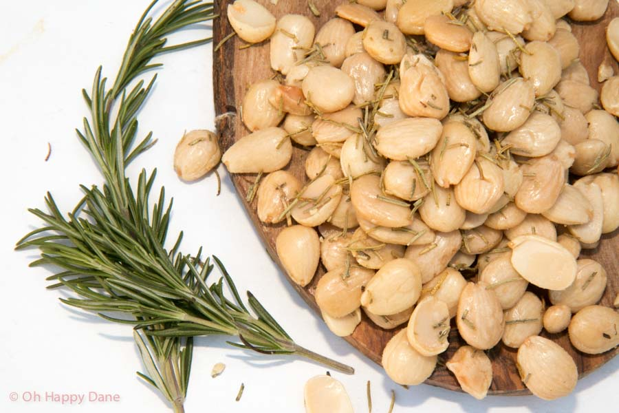 Almonds with Rosemary