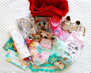 Lily Jade: How to pack for two little ones! See how Oh Happy Play, Florida Motherhood blogger packs up her diaper bag for her twins.