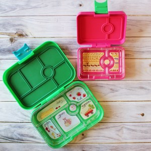 yumbox, lunchbox, kids lunchbox, whole food lunch box, healthy lunch, reusable lunch pack, snack pack, snack tray, back to school gear, lunch pack, lunch on the go, kids lunch, kids food, food for kids, yumbox, mini snack pack