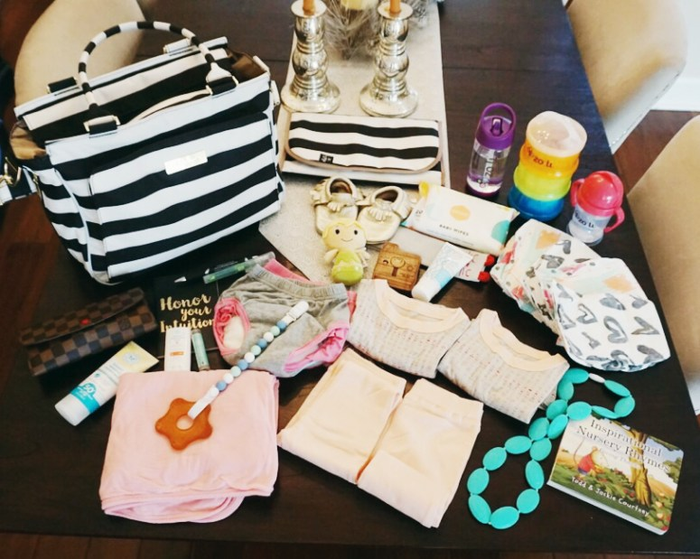 juju be be classy, be classy, juju be, ju ju be, diaper bag, cute diaper bag, packing for 2, packing for kids, whats in my diaper bag, modern diaper bag, designer diaper bag