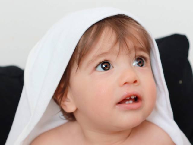 Organic Cotton Terry Hooded Towels, Gerber childrenswear, Gerber baby, Gerber brand, Bath Time For Eczema Prone Babies, Eczema in babies, Eczema kids, bath for Eczema, products for Eczema, oh happy play