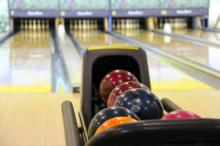 kid friendly, summer fun, bowling, summer activity, kid friendly activity,