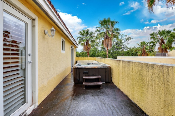 fort lauderdale townhousecondo balcony