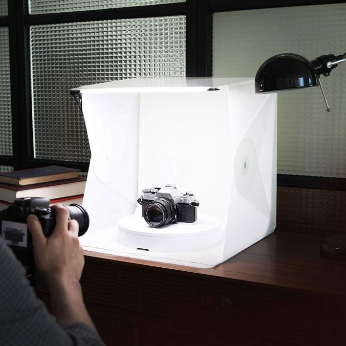 Portable Lightbox Foldio - Photographer Holiday Gift Ideas
