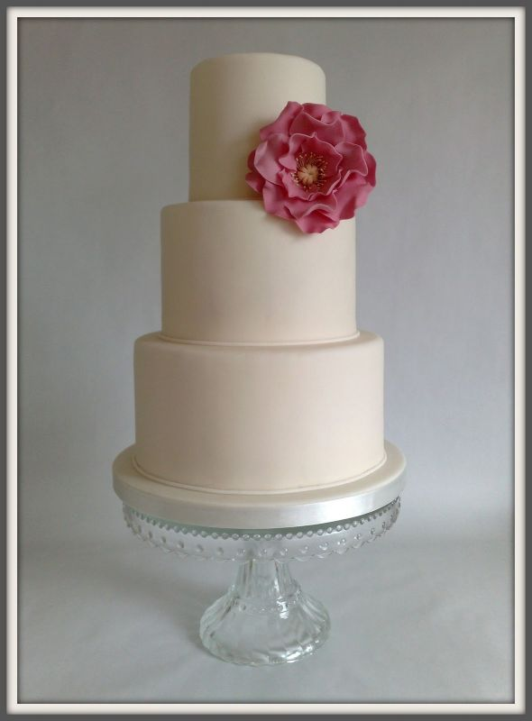 Small Wedding Cakes A Fun Wedding Cake Choice Ohh My My