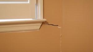 corner crack in drywall