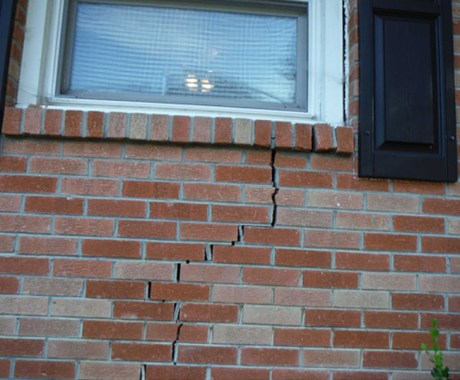 Difference Between Structural Cracks & Non-Structural Foundation Cracks?