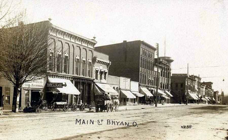 Postcard of Main Street in Bryan, Ohio
