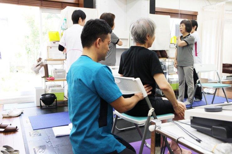 椅子座位での運動療法