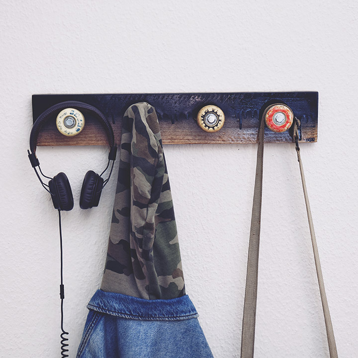 Porte manteau roue skate