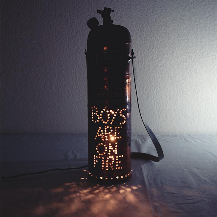 Extincteur lumière recyclé