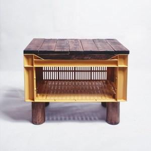 Table de chevet cagette plastique et palette