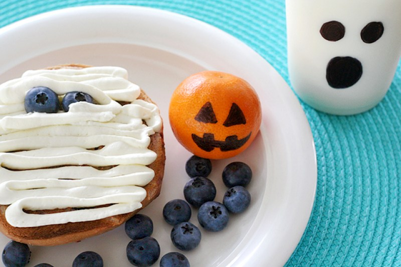 Halloween Mummy Bagel