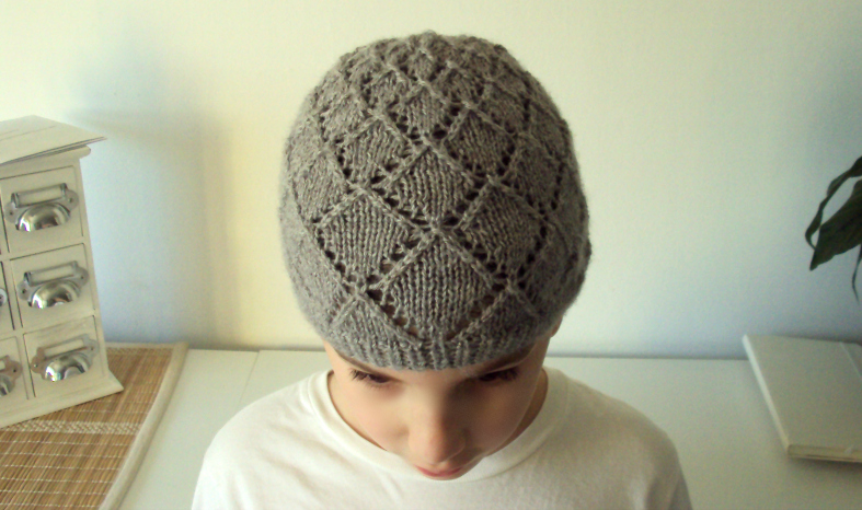 Diamonds Hat Knitting Pattern