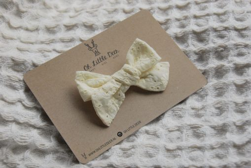Lilly-cream-broderie