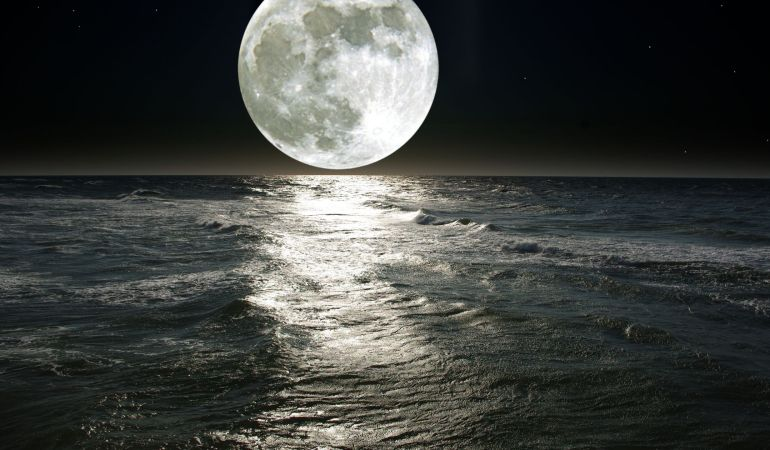 how to align with the full moon