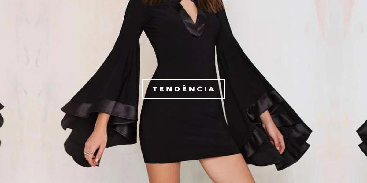 Tendência à vista: manga boca de sino! Seja num cropped manga de sino ou em um vestido, essa trend vai pegar! Veja mais no Oh My Closet!