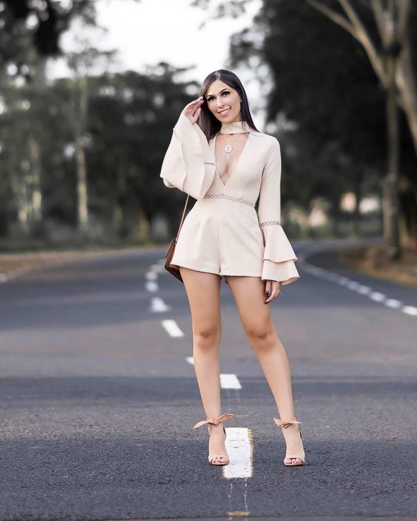 Macaquinho MissGuided com Mônica Araújo.