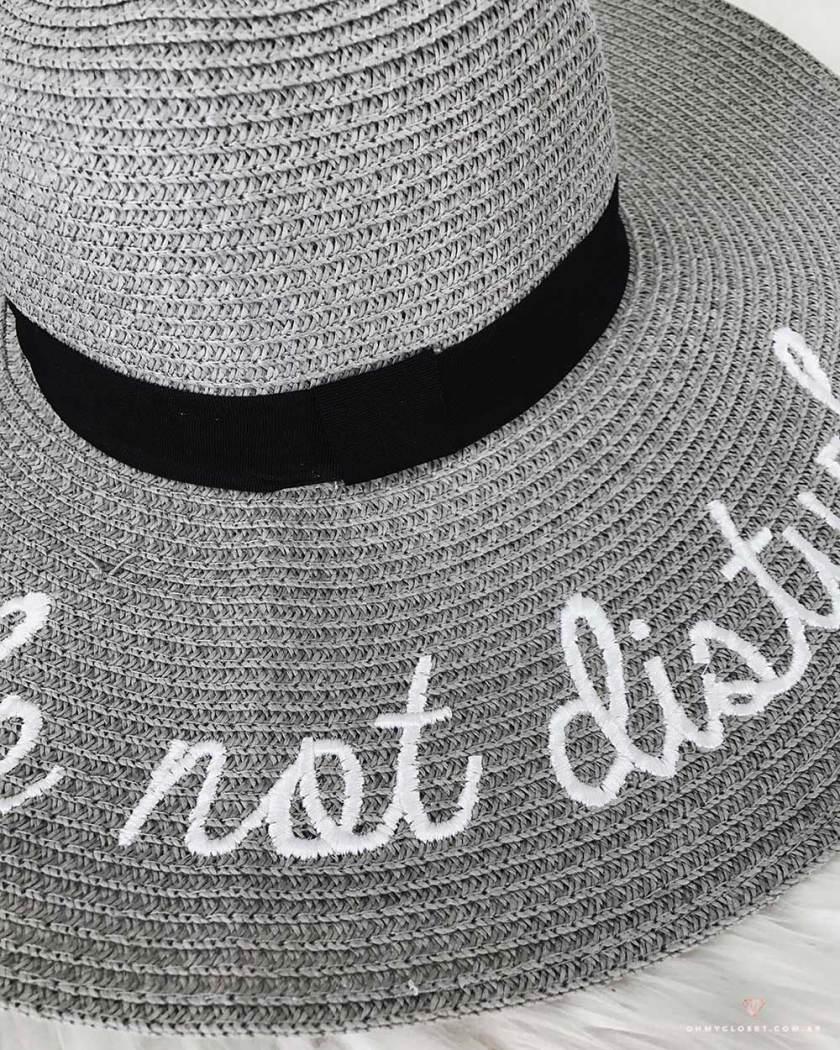Detalhes do chapéu de praia da ToSave.