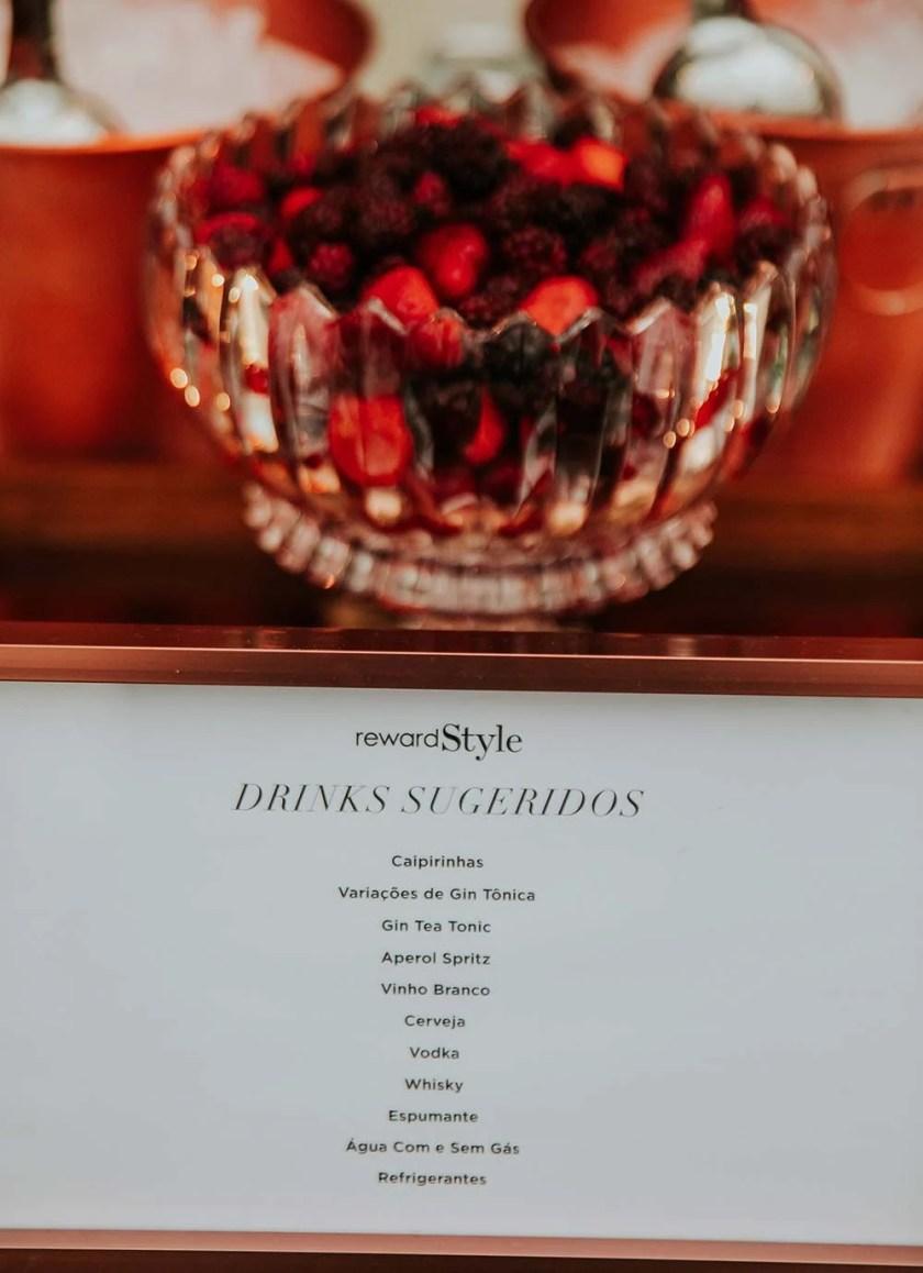 Carta de drinks da Cockteleria na festa do rewardStyle.