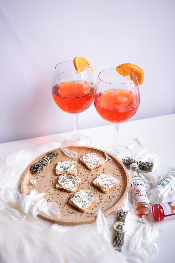 Apéro rapide et gourmand avec des Spritz et des toasts